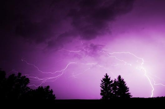 thunderstorm-71366_1280